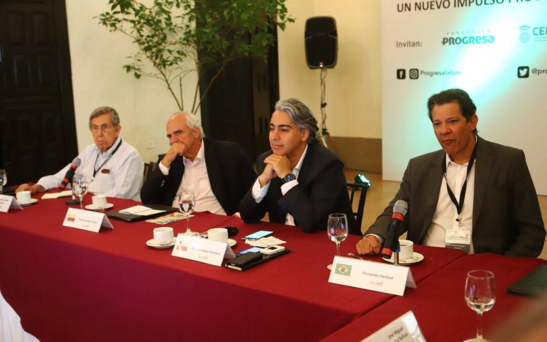 David Adler, José Miguel Insulza y Gustavo Petro, entre los 60 firmantes que respaldaron demanda de Marco Enríquez-Ominami ante la CIDH
