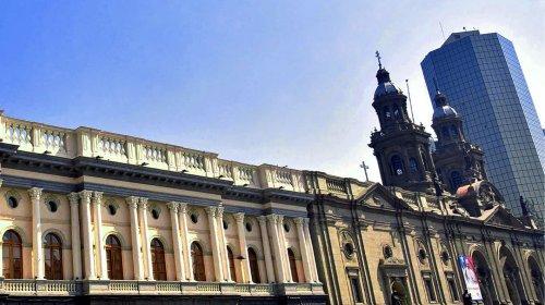 Exsacristán solicita indemnización de $200 millones: presentan demanda contra Arzobispado de Santiago y sacerdote condenado por caso de abuso registrado en la Iglesia San Francisco