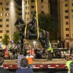 Consejo para la Transparencia ordena al Ejército entregar nombres de las autoridades que autorizaron comunicado por ataque a monumento de Baquedano