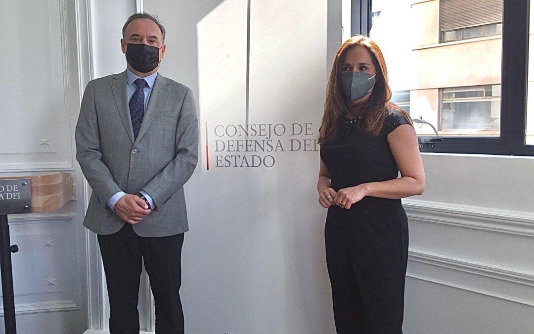 Consejo para la Transparencia y el CDE trabajan agenda conjunta para combatir corrupción en organismos estatales